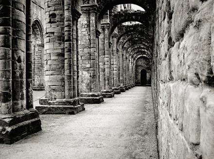 Photograph of ruined cathedral cloister