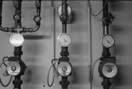 Pipes and gauges