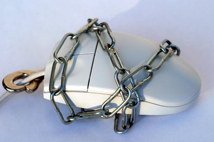 Computer mouse in chains