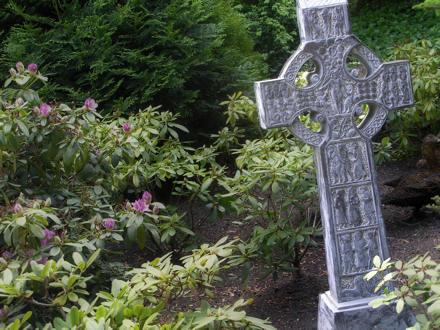 Celtic-style cross
