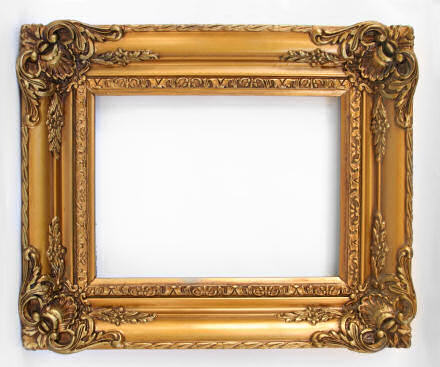 Gilt frame but no painting.