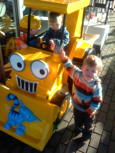 Joshua and Reuben with Scoop and Bob the Builder