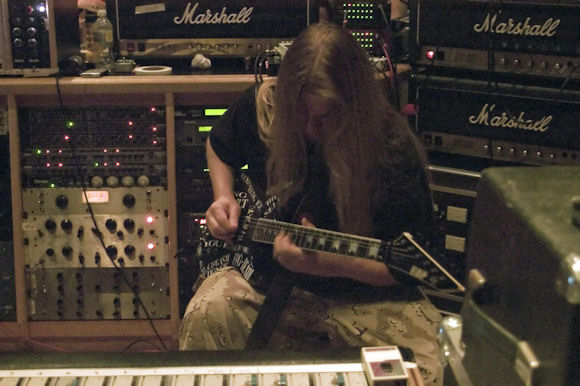 Jeff Hanneman in rehearsals (Source: Slayer website)